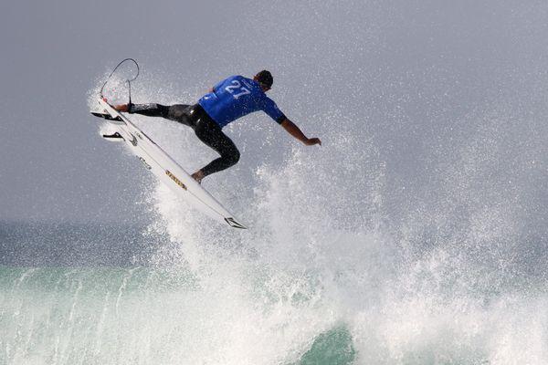 Aquitaine : Terre de surf - ici Hossegor dans les Landes lors du CHAMPIONNAT DU MONDE DE SURF WSL QUIKSILVER PRO FRANCE 2017 SUR LA PLAGE DE LA GRAVIERE Joan DURU