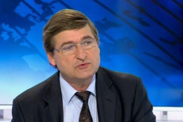 Francis Rol-Tanguy sur le plateau du journal régional de France3 Alsace