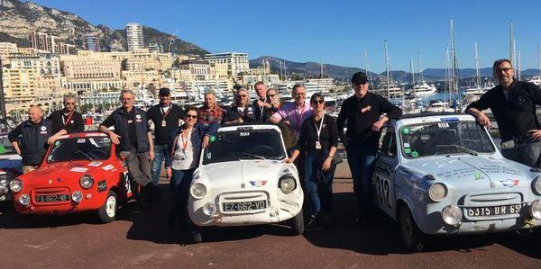 L'an dernier, lors de l'arrivée à Monaco, les trois Vespa 400 bleu, blanc, rouge de la mini-écurie marnaise avait fait sensation.