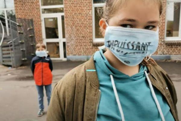 """Coronavirus : """"Prisonniers pour notre santé"""", des élèves de CE2/CM2 d'Haubourdin chantent leur ressenti dans un clip."""