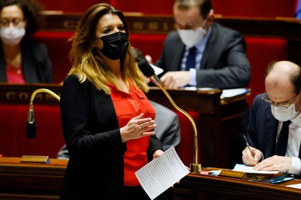 Marlène Schiappa en séance à l'Assemblée Nationale le 23 mars 2021.