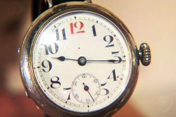 Une montre bracelet