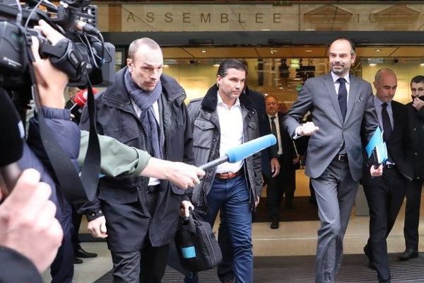 Edouard Philippe à la sortie de la réunion avec les députés de la majorité.