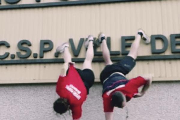 Les pompiers ont relevé le Handstand T-shirt challenge lancé par leurs collègues du Nord.