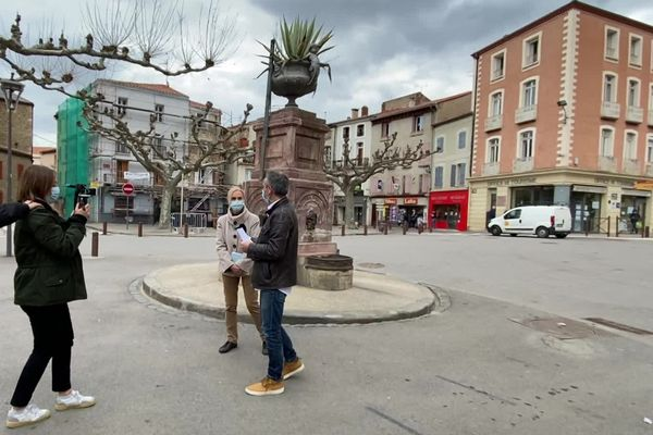 Agnès Anceau, adjointe Culture et Patrimoine, interrogée en coeur de ville par l'équipe de Rendez-Vous en terrain connu.