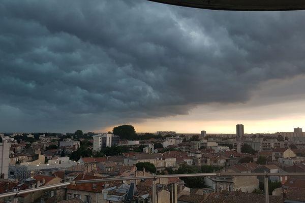 L'arrivée de l'orage au dessus de Bordeaux