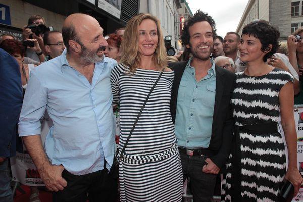 """L' équipe du film """"CASSE TETE CHINOIS"""" de Cédric Klapisch avec Cécile de France, Audrey Tautou et Romain Duris."""