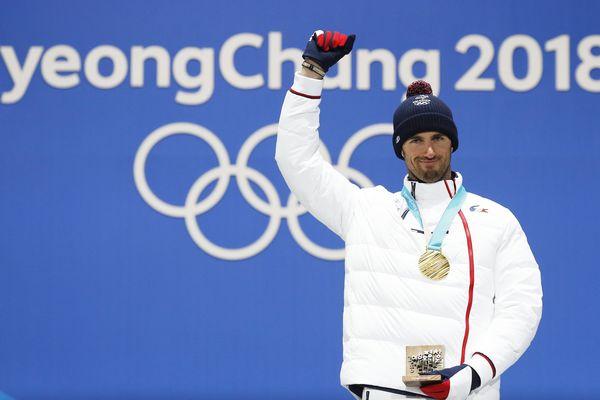 L'or au cou de Pierre Vaultier à Pyeongchang 4 ans après l'or de Sotchi.