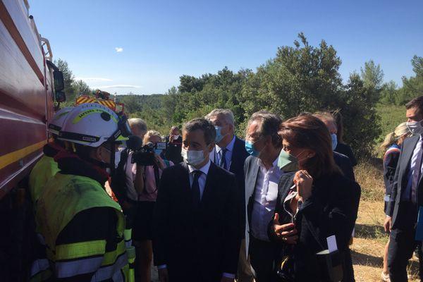 Gérard Darmanin, le ministre de l'intérieur et Martine Vassal, présidente de la Métropole aux côtés des pompiers ce mardi