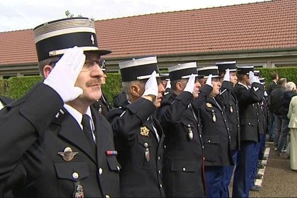 L'hommage solennel des gendarmes à Genlis