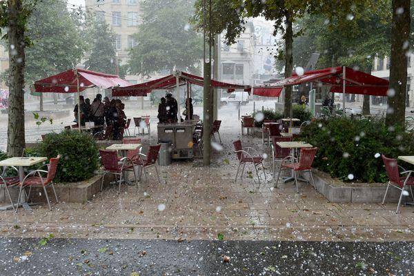 En juillet dernier, la grêle était tombée à Saint-Etienne (Loire).