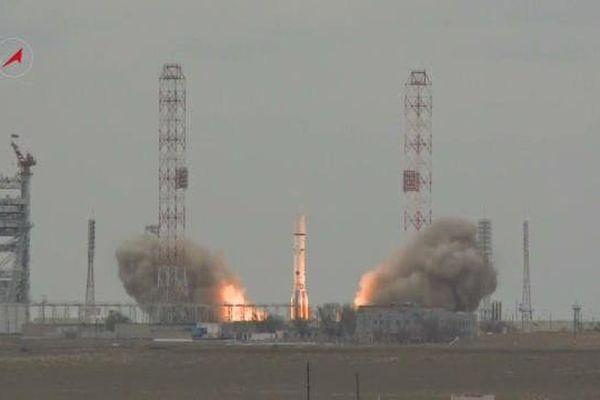 La mission russo-européenne ExoMars 2016 est entrée en orbite lundi, entamant la première partie de son long voyage depuis le cosmodrome de Baïkonour vers la planète rouge, où elle doit trouver de potentielles preuves d'activités biologiques à sa surface.