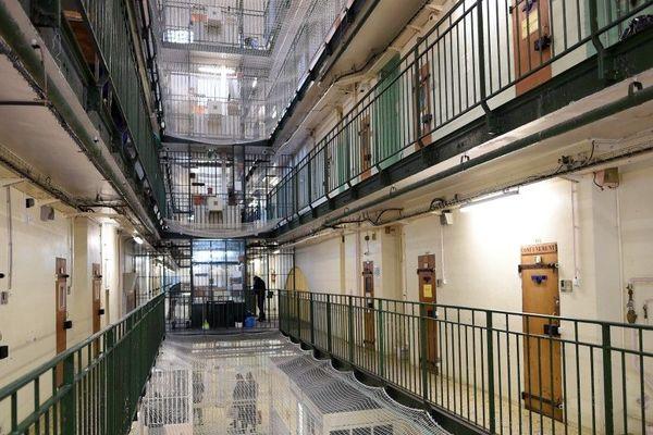 Le centre pénitentiaire de Fresnes dans le Val-de-Marne