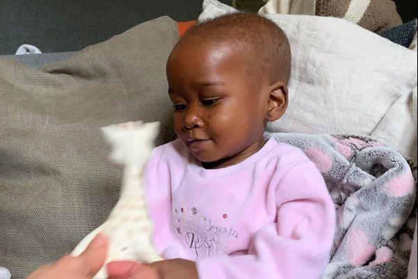 """Laurencia va bien. Elle a pu être opérée par les chirurgiens due cardiologie CHU de Bordeaux alors que son état de santé était critique. Elle est arrivée du Bénin le 16 novembre grâce à l'association """"la Chaîne de l'espoir """""""