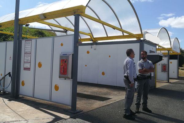 Les inspecteurs de l'environnement ont contrôlé une station de lavage.