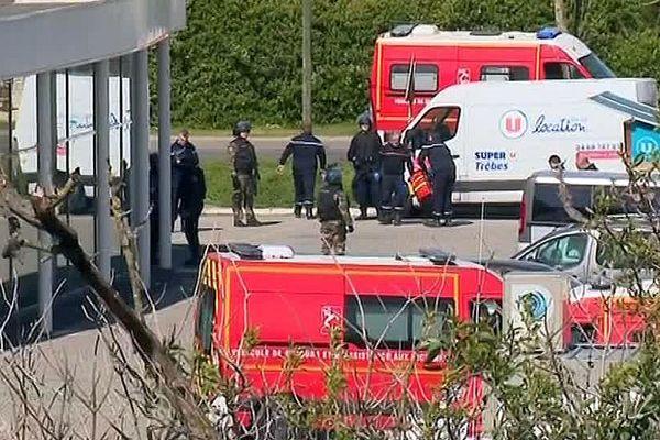 Trèbes (Aude) - la police devant le Super U après l'assaut - 23 mars 2018.