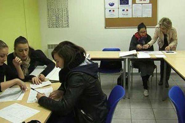 Les cours de français se passent en petits groupes et l'expression orale est essentielle. 15/02/2016