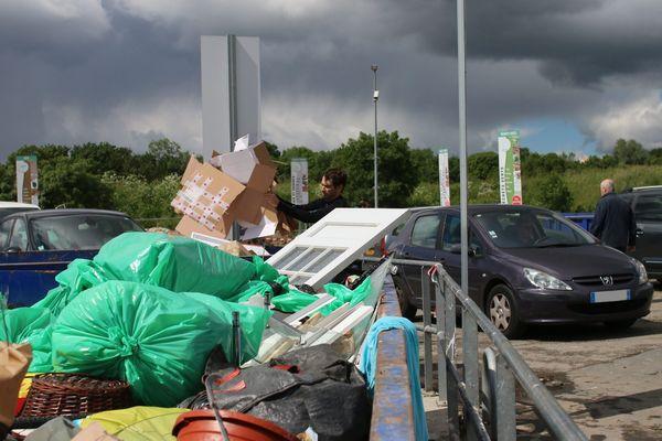 Fermées depuis le 17 mars, les plupart des déchetteries ont rouverts le 27 avril.