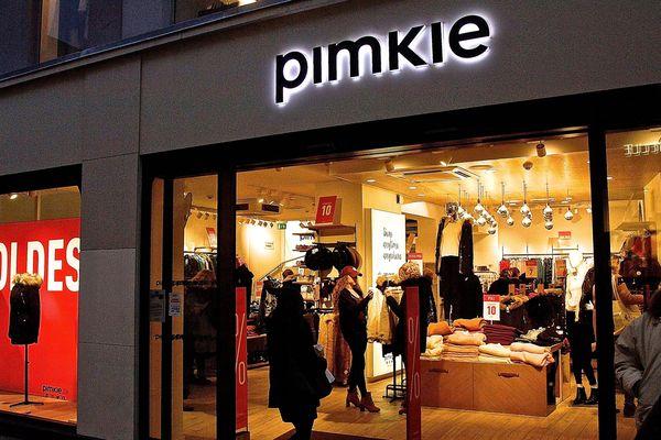 Le 22 septembre, une jeune-fille de 17 ans, en fauteuil roulant, n'a pu accéder aux cabines d'essayage d'un magasin Pimkie.