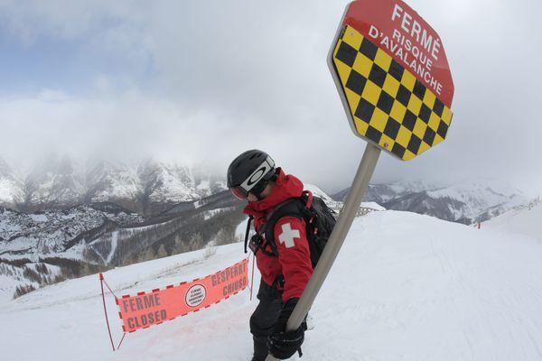 Le risque d'avalanches est de niveau 4 sur 5 pour la plupart des massifs des Hautes-Alpes et de l'Ubaye. (Images d'illustration)