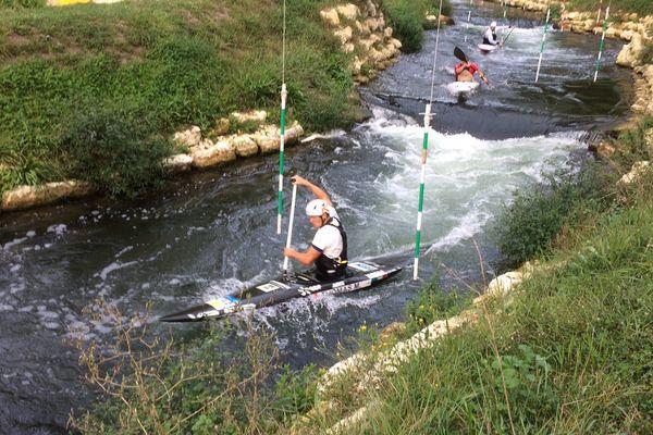 Martin Thomas à l'entraînement à Jarnac avant les Championnats du Monde qui auront lieu à Pau.