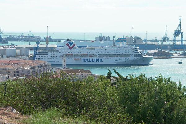 Sète (Hérault) - le ferry assurant la liaison avec Tanger à quai - 15 juillet 2021.