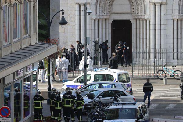 Nice (Alpes-Maritimes) - attentat au couteau devant la Basilique Notre-Dame - 29 octobre 2020.