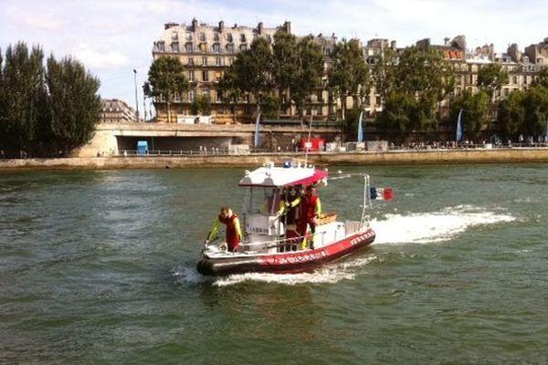 Les 3 nouveaux bateaux des Pompiers de Paris mesurent 7.80m