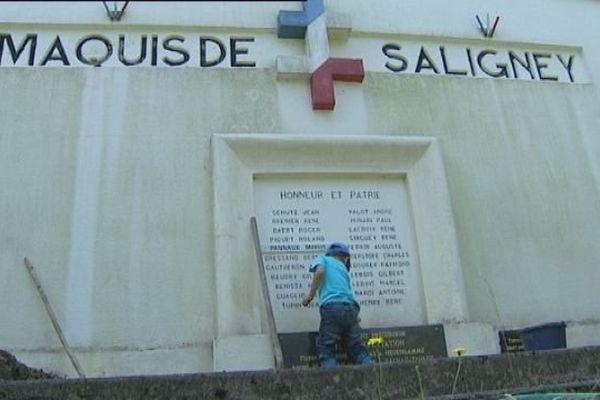 Saligney : le monument qui rend hommage aux 22 maquisards exécutés par les Nazis