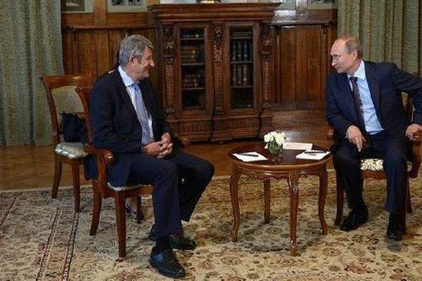 Philippe de Villiers et Vladimir Poutine lors de leur rencontre jeudi 14 août 2014