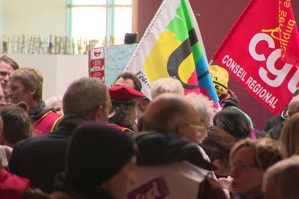 Les opposants à la réforme des retraites se sont invités aux voeux de la présidente de région Marie-Guite Dufay