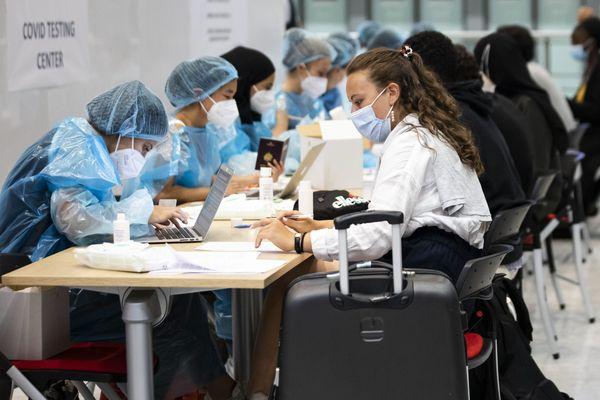 Comme à l'aéroport de Roissy-Charles de Gaulle, l'EuroAirport met en place des tests de dépistage obligatoires depuis le 1er août 2020.