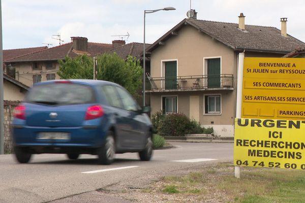 Les habitants de Saint-Julien-sur-Reyssouze attendent un médecin depuis cinq ans.