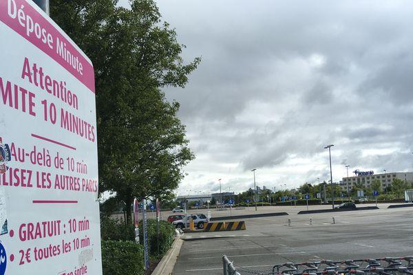 Parkings de l'aéroport Nantes Atlantique le 5 juin 2020