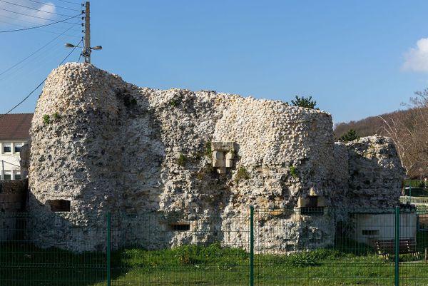 Vestiges des fortifications d'Harfleur.