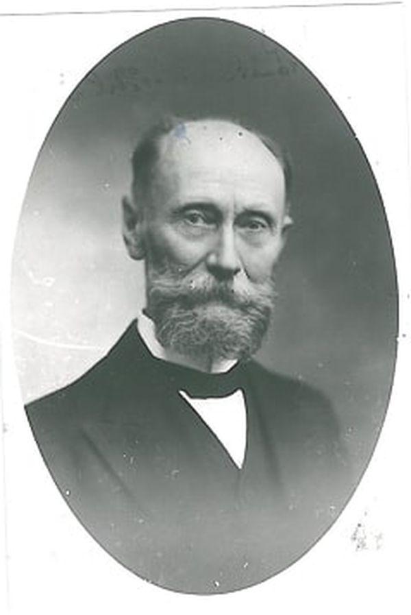 L'ingénieur est issu de la célèbre famille Koechler qui a joué un rôle important dans la révolution industrielle à Mulhouse.