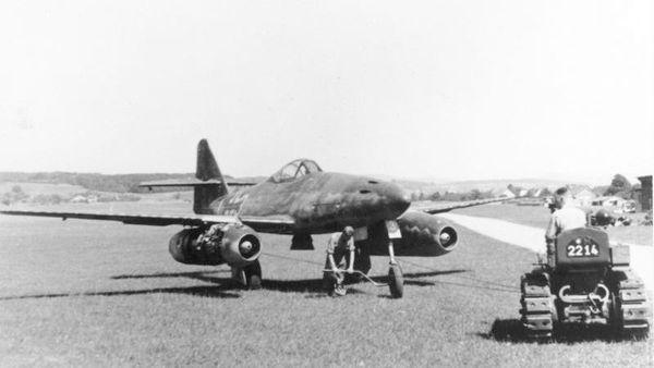 Un Messerschmitt Me 262 en avril 1945.