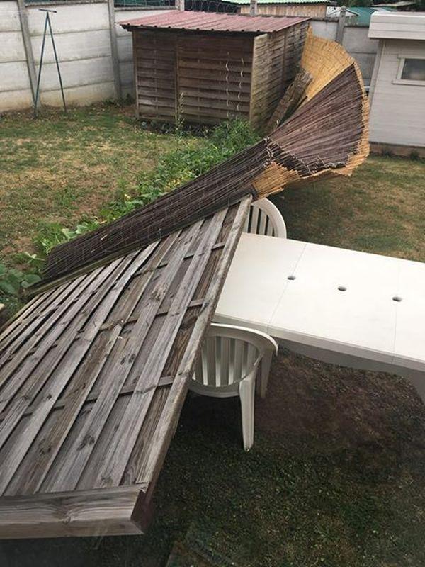 Après la tempête sur le Valencienne hier soir, sa palissade n'a pas tenu
