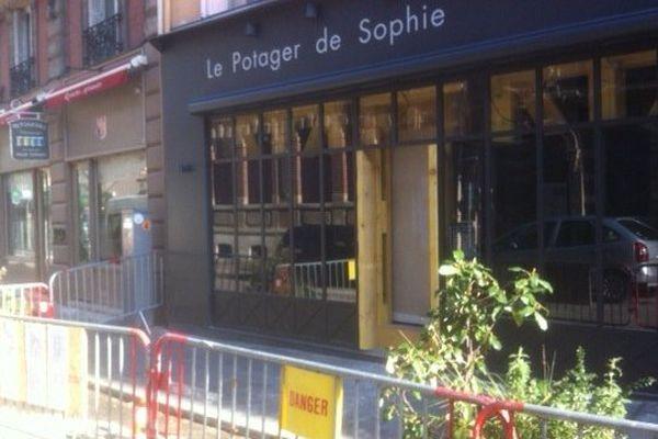 Ce commerce de Rouen est fermé depuis le 12 février pour risque d'effondrement lié à la source Gaalor