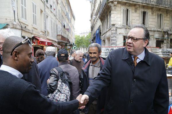 Le député PS sortant, Patrick Mennucci en campagne dans le 4e circonscription, à Marseille