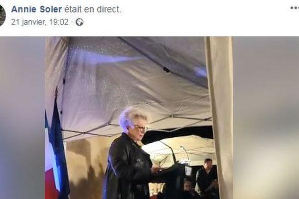 Annie Soler inaugure sa permanence de campagne mobile à Fréjus