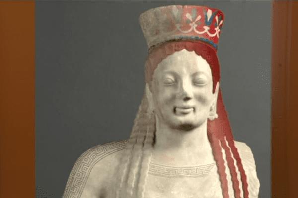 Il y a quelque 2 600 ans la statue était peinte de couleurs vives.