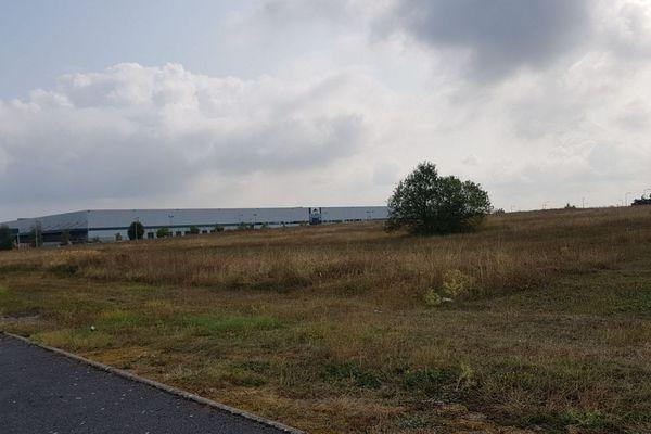 Ce champ est voué à accueillir une entreprise allemande / Vatry, 30 août 2018