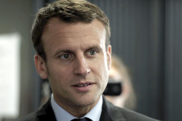 L'entourage de Macron a annoncé qu'il déclarerait sa candidature d'ici le 10 décembre, avant de se rétracter