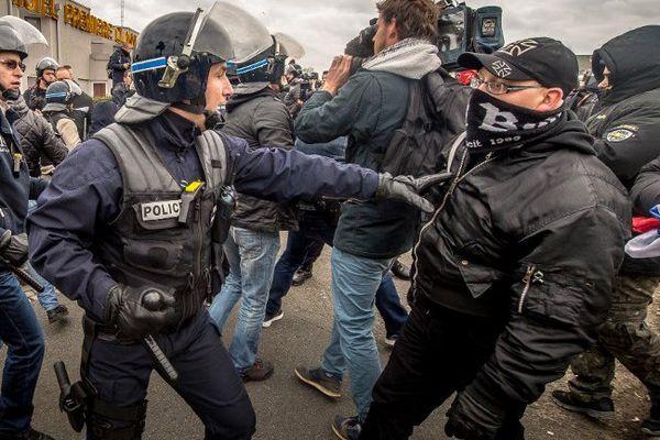 Une vingtaine de militants Pediga ont été interpellés par la police.