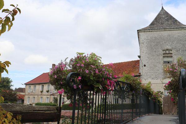 L'ancien pigeonnier du château de Boubers-sur-Canche
