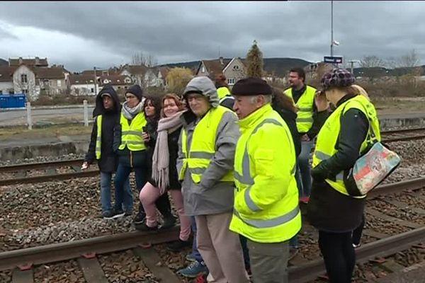 Les manifestants ont bloqué un train à destination de Paris pendant 30 minutes.