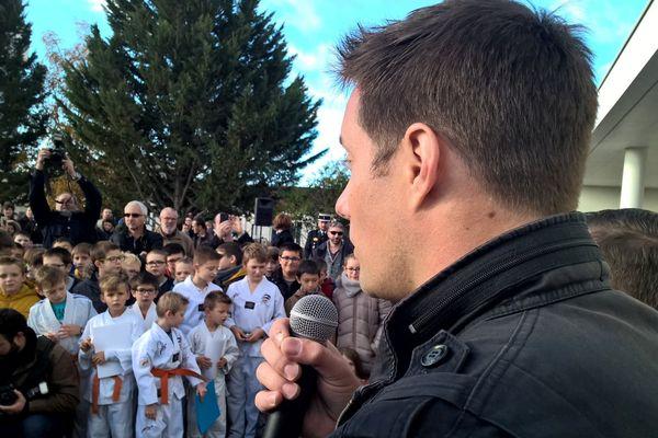 L'astronaute Thomas Pesquet a répondu aux questions des enfants de Beaumont-Saint-Cyr (Vienne).