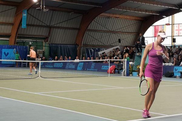 La joueuse serbe à droite sur cette photo