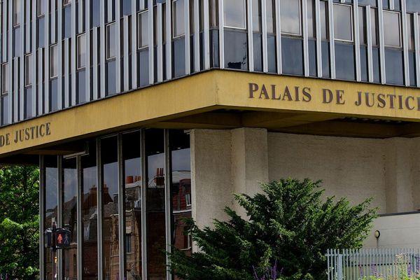 Le palais de justice de Douai (Nord)